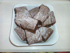 Снимка 3 от рецепта за Какаов сладкиш `Фантазия`