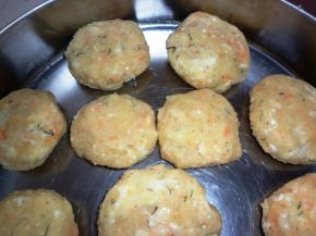 Снимка 6 от рецепта за Картофени кюфтета на фурна