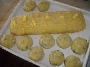 Снимка 6 от рецепта за Картофено руло с кайма