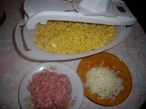 Снимка 2 от рецепта за Картофи с кайма