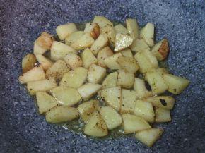 Снимка 8 от рецепта за Картофи соте с копър и чесън