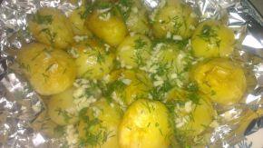 Снимка 2 от рецепта за Картофки във фолио