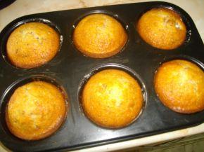 Снимка 3 от рецепта за Кексчета с череши