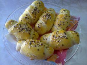 Снимка 4 от рецепта за Кифли с кайма, маслини и кашкавал