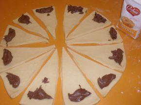 Снимка 3 от рецепта за Кифли с течен шоколад и ром