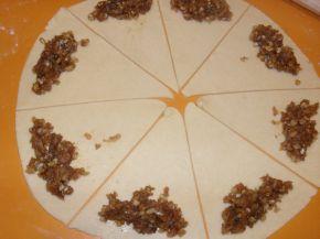 Снимка 5 от рецепта за Кифли с течен шоколад и ром