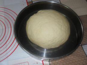 Снимка 7 от рецепта за Кифлички с лапад и сирене