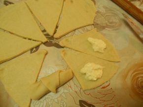 Снимка 3 от рецепта за Кифлички със сирене - II вариант