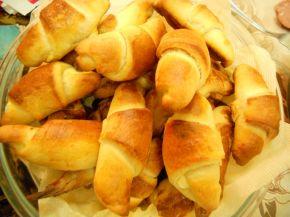 Снимка 5 от рецепта за Кифлички със сирене - II вариант