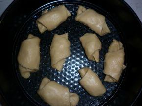Снимка 5 от рецепта за Кифлички със сирене
