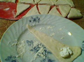 Снимка 8 от рецепта за Кифлички със сирене