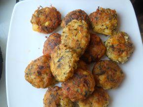 Снимка 2 от рецепта за Кюфтета от картофи и лапад