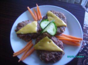 Снимка 2 от рецепта за Кюфтета с топено сирене