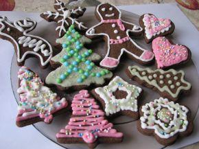 Снимка 8 от рецепта за Коледни сладки с какао