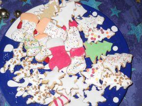Снимка 3 от рецепта за Коледни сладки с `кралска глазура`