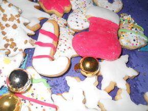 Снимка 6 от рецепта за Коледни сладки с `кралска глазура`