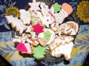 Снимка 7 от рецепта за Коледни сладки с `кралска глазура`