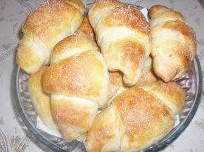 Снимка 3 от рецепта за Козуначени кифли с мармалад от сливи и ябълки
