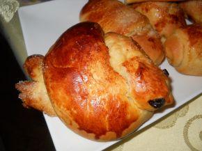 Снимка 9 от рецепта за Кузуначени кифлички с плънка от мармалад, стафиди и орехи