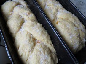 Снимка 3 от рецепта за Козунак за Великден със стафиди и портокалови корички