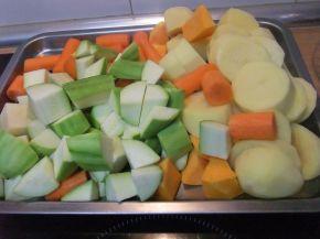 Снимка 3 от рецепта за Крем супа от тиквички, картофи, моркови и тиква