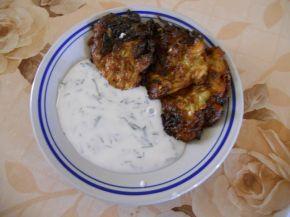 Снимка 2 от рецепта за Кюфтета от тиквички и зелени подправки