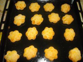 Снимка 3 от рецепта за Курабийки с лимонова глазура