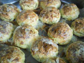 Снимка 11 от рецепта за Кълбенца от картофи, тиквички и извара