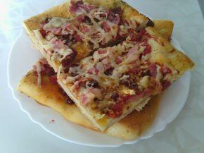 Снимка 3 от рецепта за Лесна пица