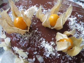 Снимка 3 от рецепта за Лесна шоколадова торта с физалис