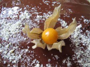 Снимка 4 от рецепта за Лесна шоколадова торта с физалис