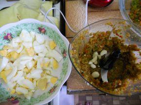 Снимка 2 от рецепта за Лютика със сирене и яйца