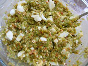 Снимка 4 от рецепта за Лютика със сирене и яйца