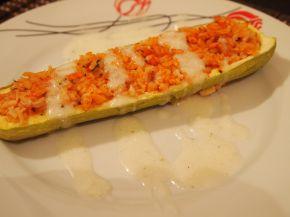 Снимка 4 от рецепта за Лодки от тиквички и чушки пълнени с ориз и пиле
