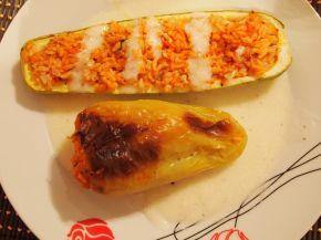 Снимка 5 от рецепта за Лодки от тиквички и чушки пълнени с ориз и пиле