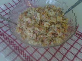 Снимка 4 от рецепта за Макаронена салата с кисели краставички, грах и царевица