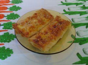 Снимка 4 от рецепта за Малки банички със сусам и сирене