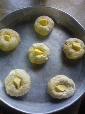Снимка 7 от рецепта за Малки содени питки