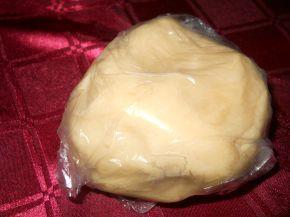 Снимка 2 от рецепта за Маслена бисквита с желе от круши, моцарела и грозде