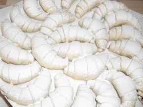 Снимка 2 от рецепта за Маслени кифлички с ябълков пълнеж