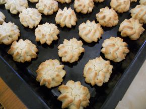 Снимка 4 от рецепта за Маслени розички