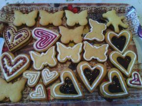 Снимка 3 от рецепта за Меденки с айсинг, шоколад и домашно сладко