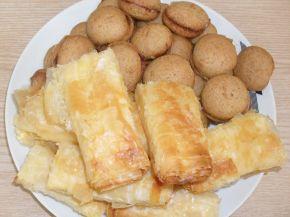 Снимка 7 от рецепта за Меденки с шипков мармалад