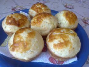 Снимка 4 от рецепта за Меки мъфини със сирене и кашкавал