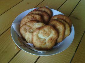 Снимка 4 от рецепта за Мекици със сирене (без мая)