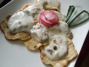Снимка 3 от рецепта за Мини палачинки с гъби със сметанов сос