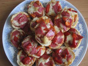 Снимка 5 от рецепта за Мини пици с хляб