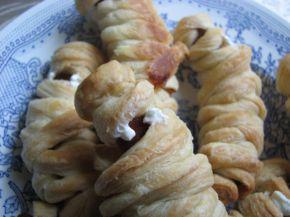 Снимка 3 от рецепта за Мумии от бутер тесто за Хелоуин