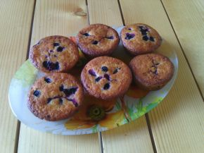 Снимка 2 от рецепта за Мъфини с боровинки и ванилия