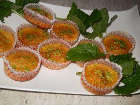 Снимка 5 от рецепта за Мъфини с мед и сусам